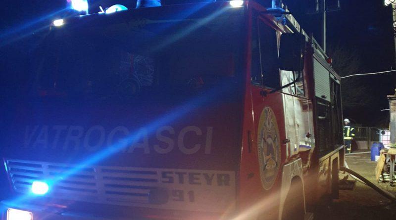 Požar gospodarskog objekta u Mirnoj ulici