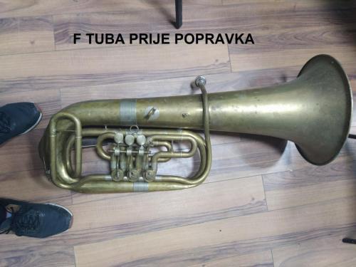 F tuba prije popravka